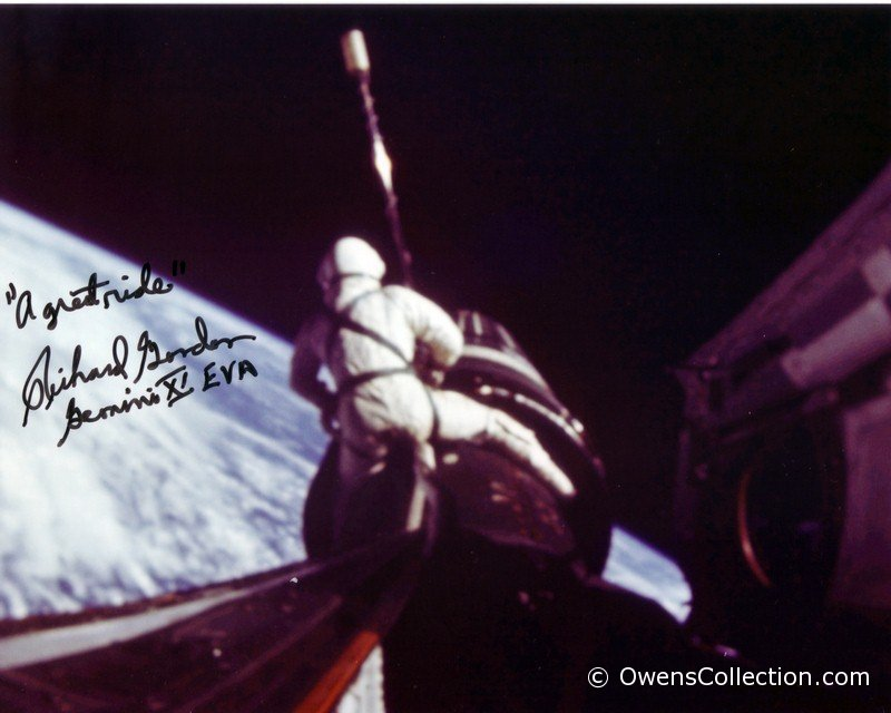 richard-gordon-autograph-02.jpg
